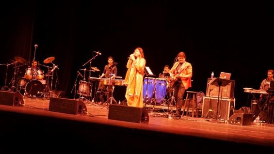 Alka Yagnik Udit Narayan Concert-5