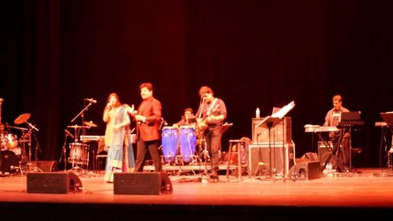 Alka Yagnik Udit Narayan Concert-6