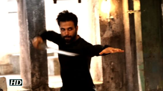 Watch Rithvik Dhanjani Performing Deadly Stunt Dont Miss